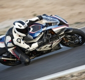BMW HP4 Race - 2017 - 01