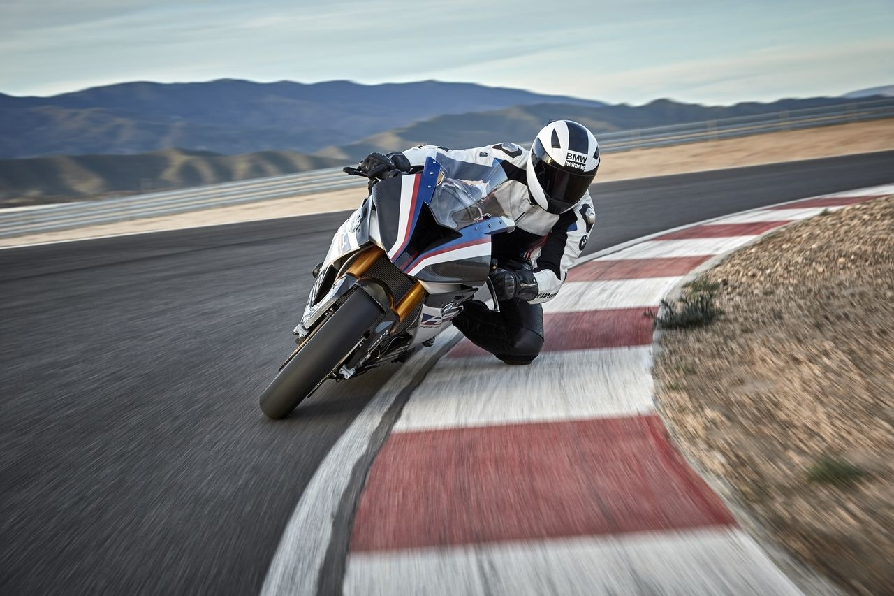 BMW HP4 Race - 2017 - 11