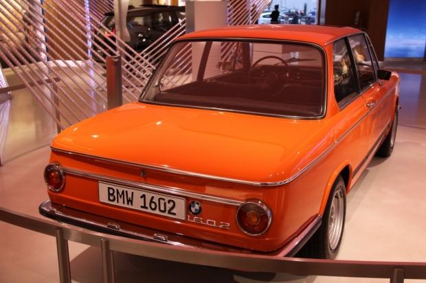 BMW Brand Store George V - BMW 1602 Elektro-Antrieb