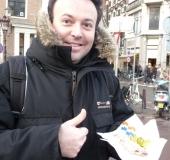 Tonton Greg mange un hareng...miam!