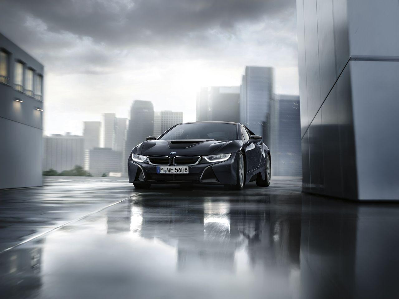 BMW i8 Protonic Dark Silver Edition