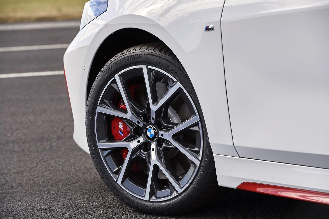 Nouvelle-BMW-128ti-2020-32